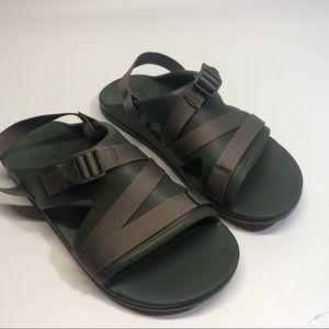 Men's Chaco performance green sandals, EUC